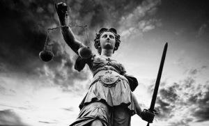 Justice-goddess-noir - 1